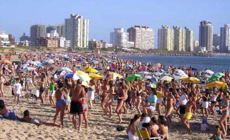 Turismo argentino y brasileño bajará en el entorno de 6% esta temporada
