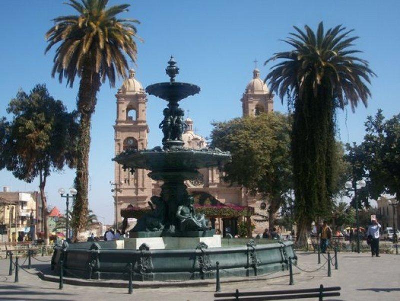 La ciudad fronteriza de Tacna es muy visitada por los chilenos