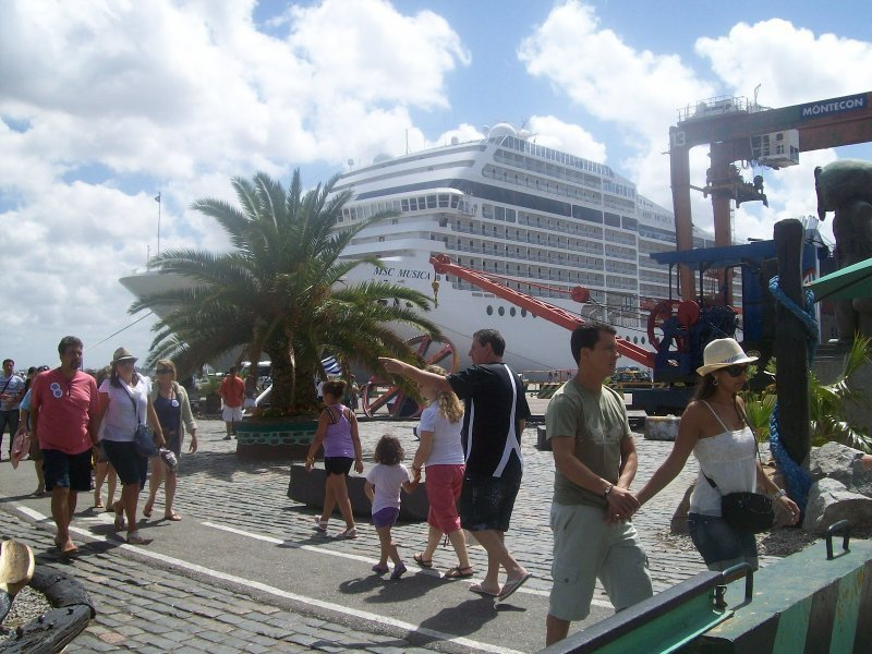 Cruceristas podrán acudir a policías especialmente capacitados para asesoramiento turístico