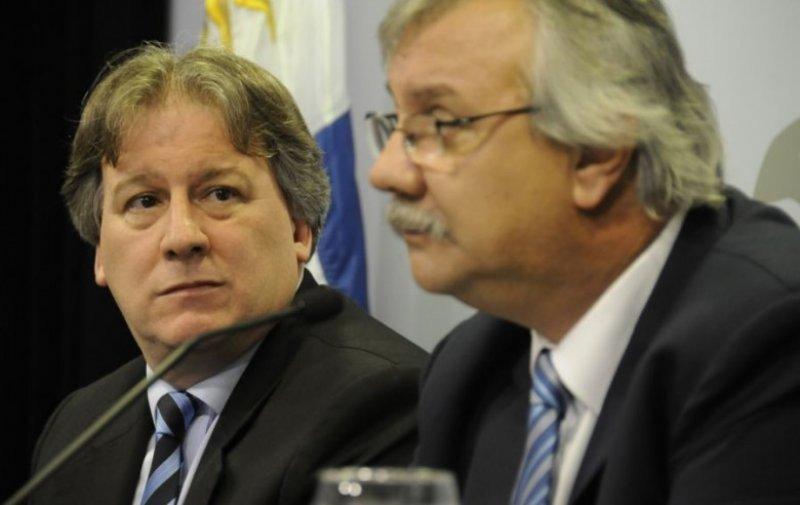 Ministro de Economía Fernando Lorenzo y ministro de Transportes Enrique Pintado