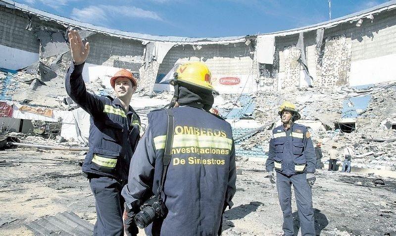 El Cilindro se desmoronó el 21 de octubre de 2010, dejando a Montevideo sin su principal estadio cerrado