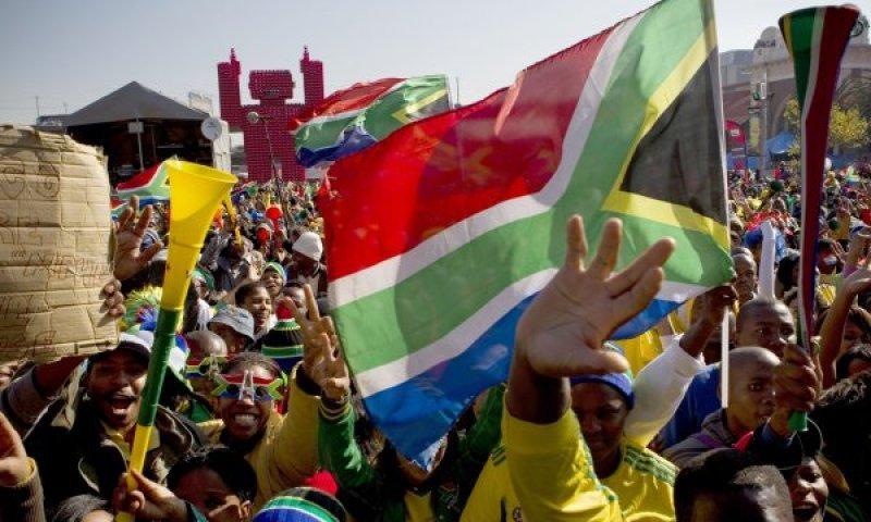 A dos años del Mundial Sudáfrica sigue aprovechando el viento a favor