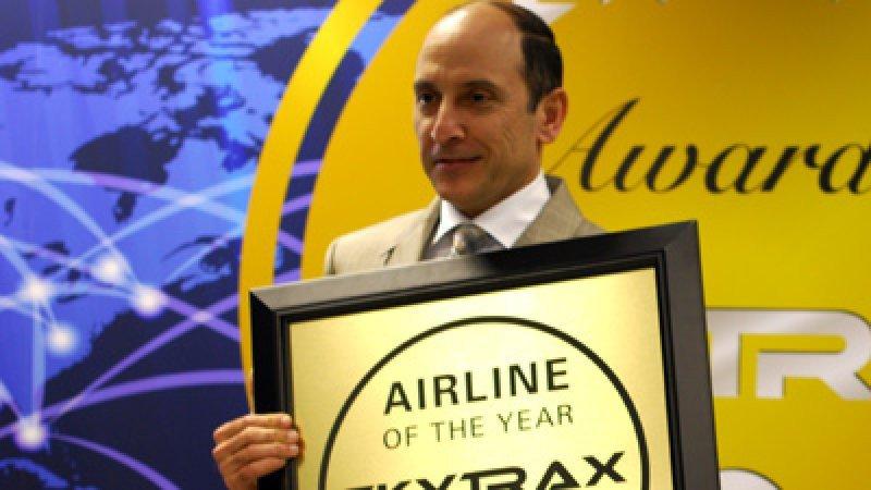 El CEO de Qatar Airways recibiendo el premio