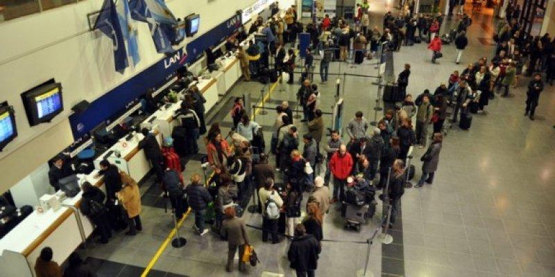 Vuelos de Aerolíneas Argentinas y LAN se verán afectados por huelga de trabajadores.