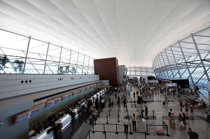 Carrasco: vuelos con Argentina tienen demoras en la mañana