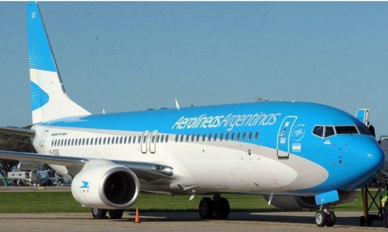 Aerolíneas Argentinas podría recibir una multa de US$ 480.000 por vuelo.