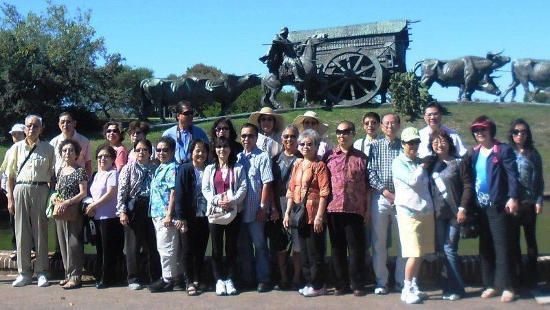 Grupo de turistas chinos (residentes en EEUU) de visita en Uruguay