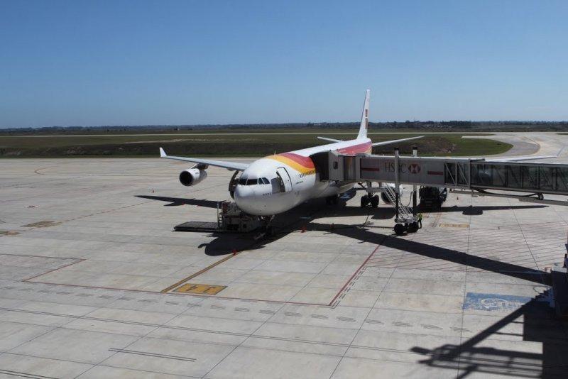 Airbus de Iberia en el Aeropuerto de Carrasco