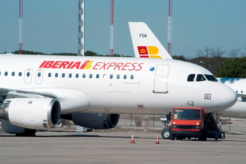 Iberia rechaza a Montalvo cómo árbitro y pide al Gobierno que designe uno 'imparcial'