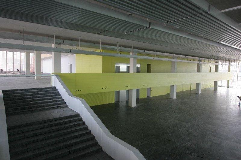Obras de construcción de un palacio de congresos.