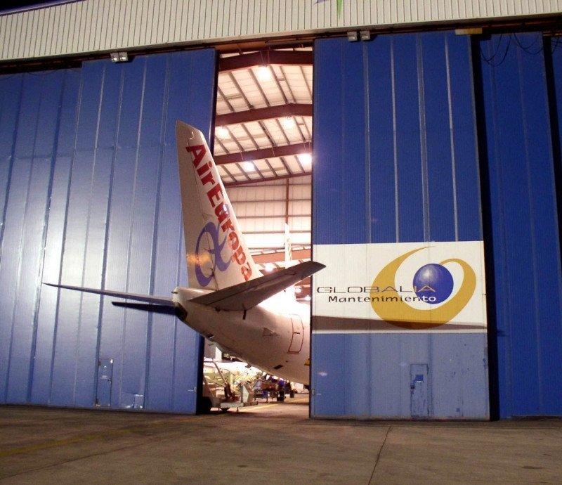 Pilotos de Air Europa rechazan la reducción salarial acordada con la aerolínea, dado que Globalia, propietario de la aerolínea, está comprando el grupo Orizonia.