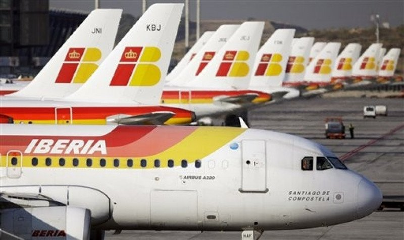 El laudo de Iberia vincula los incrementos salariales de pilotos de Iberia y Express para 2013 y 2014 al resultado neto de explotación de la matriz