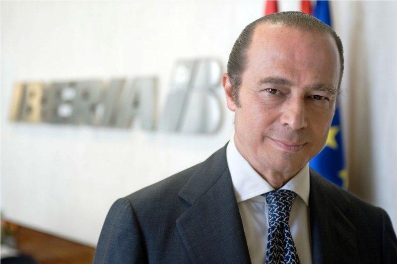 El presidente Antonio Vázquez firmó el comunicado a los clientes y el público en general.
