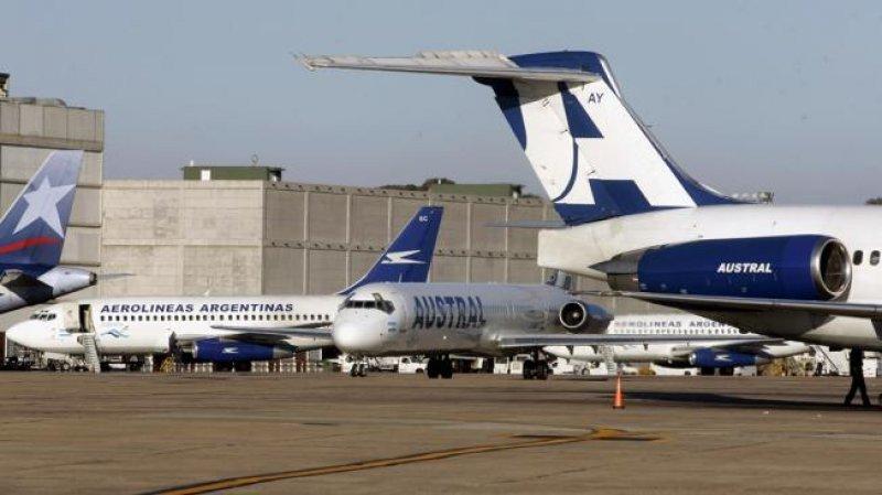 Extienden prórroga para explotación de servicios de Aerolíneas Argentinas y Austral.