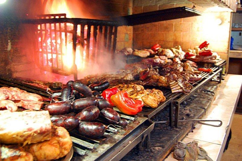 Restaurantes y hoteles fue uno de los rubros que impulsó más el aumento de 0,35% del IPC en noviembre