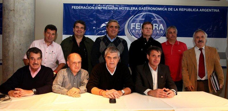 Abajo, de izquierda a derecha, Mario Zavaleta, Antonio Roqueta, Roberto Brunello, Claudio Aguilar. Arriba, de izquierda a derecha, José Rafael Miranda, Ariel Amoroso, Francisco Costa, Carlos Mellano, Fernando Desbots y Rodolfo Luque.
