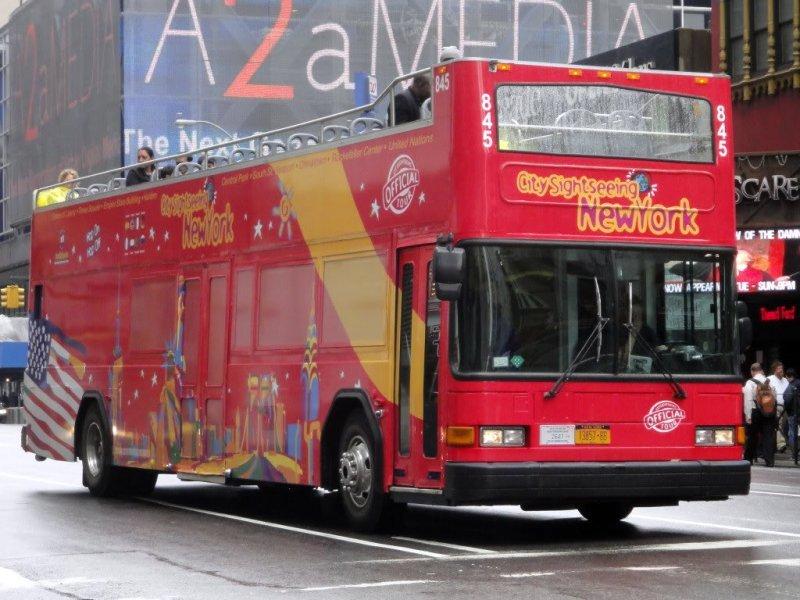 Unos dos millones de turistas recorren Nueva York cada año en los ómnibus de dos pisos