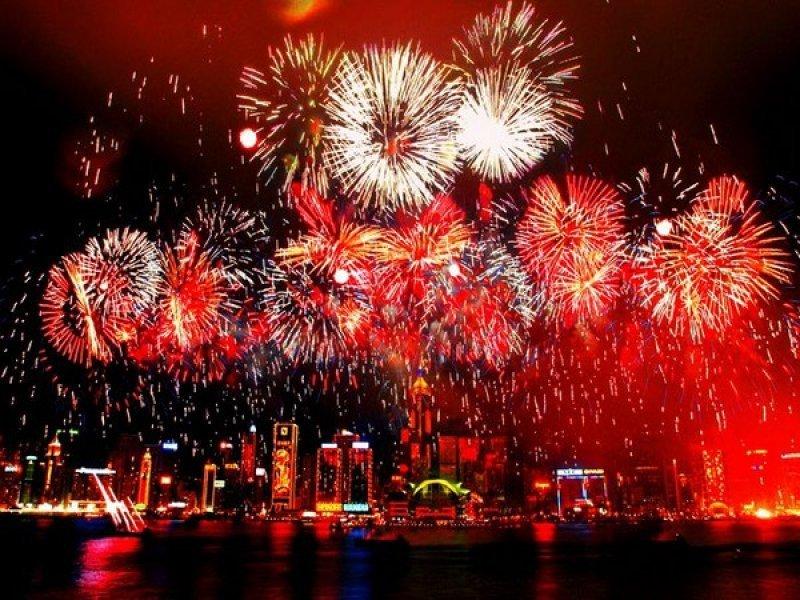 El festejo de Año Nuevo en la playa de Copacabana, un clásico que congrega a dos millones de personas