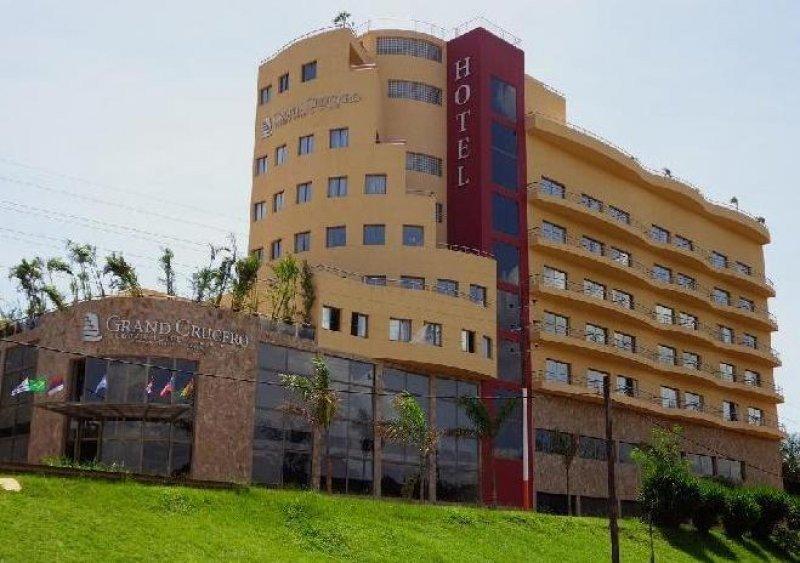 Crucero del norte abre su hotel en Cataratas del Iguazú.