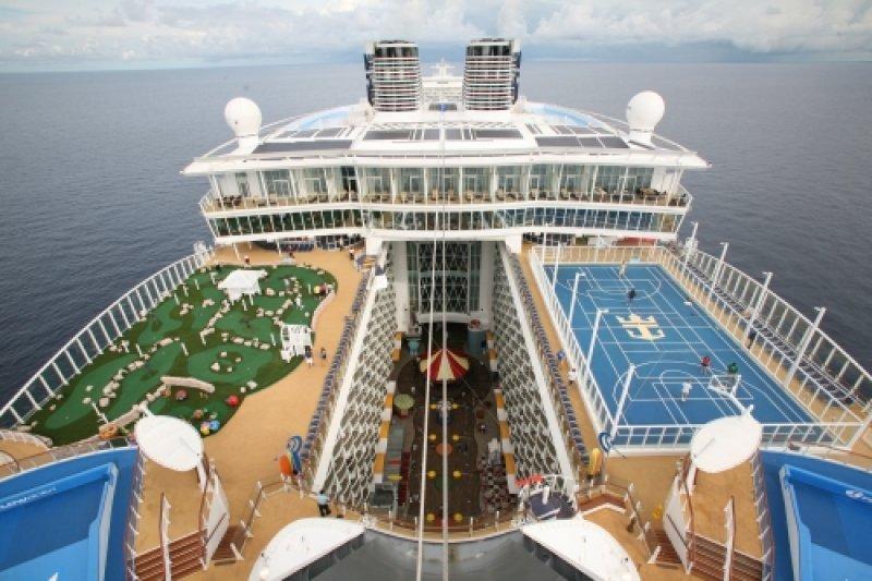 Su original disposición incluye servicios y atractivos que no son frecuentes en la industria de los cruceros
