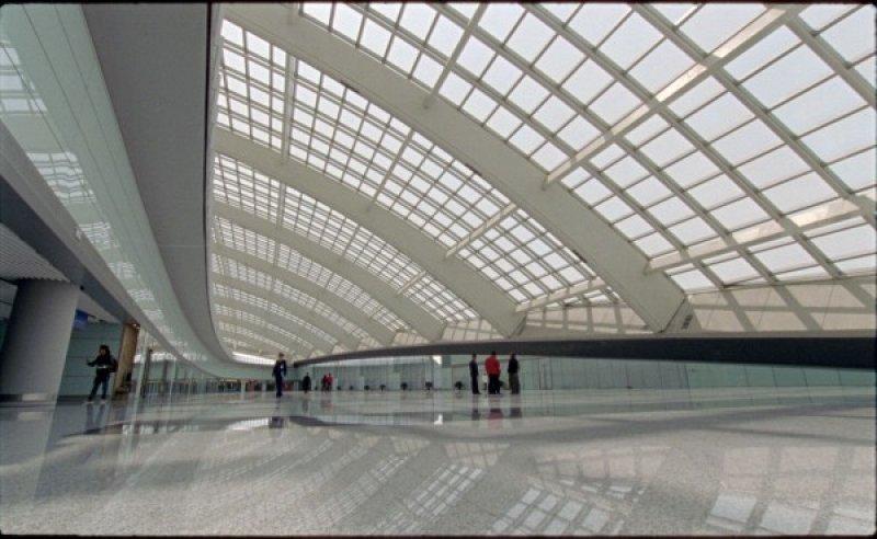El modernísimo aeropuerto de Beijing concentra buena parte del tráfico desde el extranjero