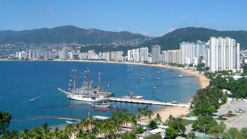 Ocupación hotelera casi total en Acapulco da respiro a su crisis económica.