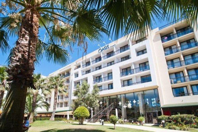 Declaran nulo el 80% de los despidos en el hotel Oasis Islantilla.