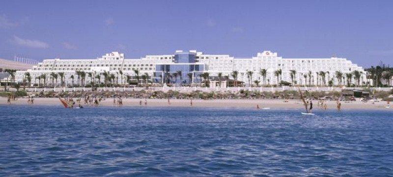 """SBH Hotel Costa Calma Palace de Fuerteventura, premiado en la categoría """"Viaje de playa""""."""