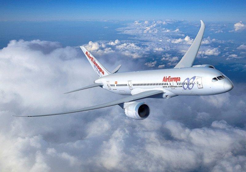 Ninguna aerolínea española opera en la actualidad con el Boeing 787 Dreamliner. Air Europa tiene un pedido de ocho aparatos.