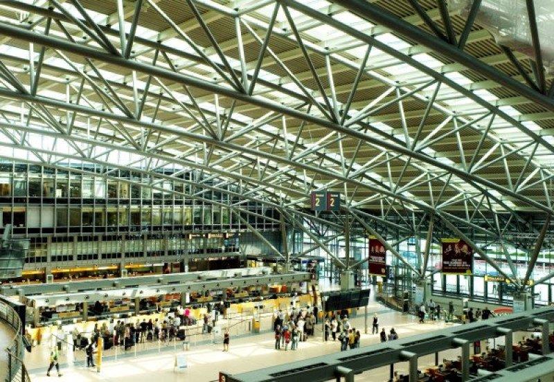 Una huelga del personal de seguridad paraliza el Aeropuerto de Hamburgo