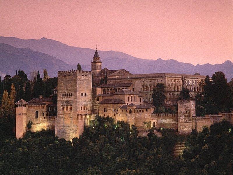 De los visitantes nacionales a la Alhambra, el 74,37% procedía de fuera de la comunidad andaluza.