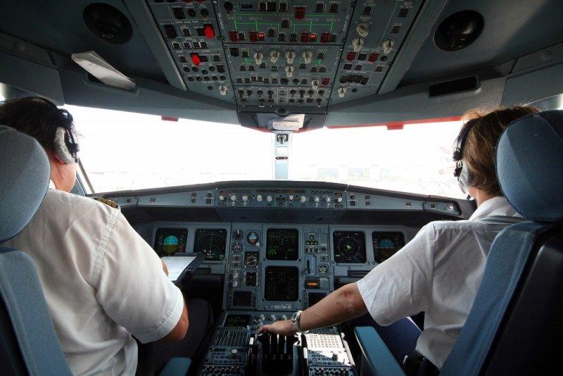"""Las asociaciones aéreas europeas aseguran que la nueva normativa incluye """"requerimientos y limitaciones más restrictivos""""."""