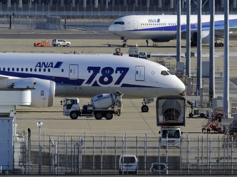 Los 787 siguen en tierra.