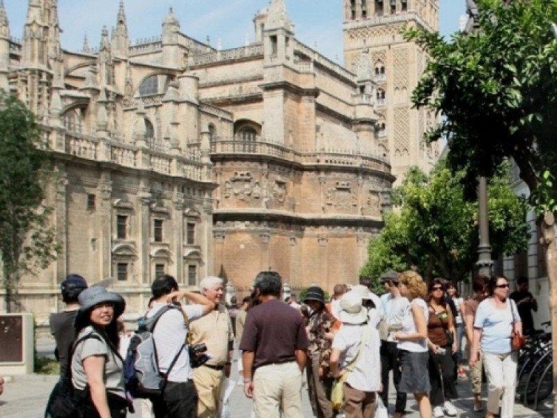 El gasto del turismo chino en sus viajes al extranjero ha crecido un 42% en 2012, según las estadísticas de la OMT.