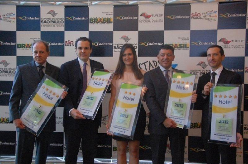 Representantes de hoteles del estado de Sao Paulo reciben sus certificaciones