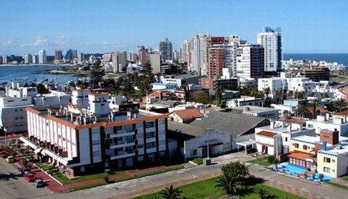 Inmobiliarios de Uruguay estiman baja del 40% en alquileres de temporada.