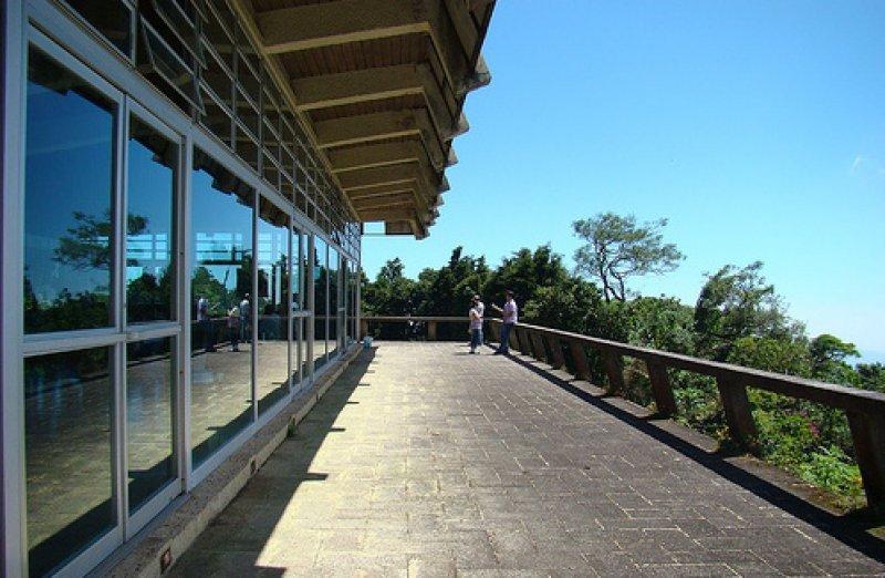 El hotel ubicado en el parque nacional Cerro Verde se encuenrta a 1830 metros de altura.