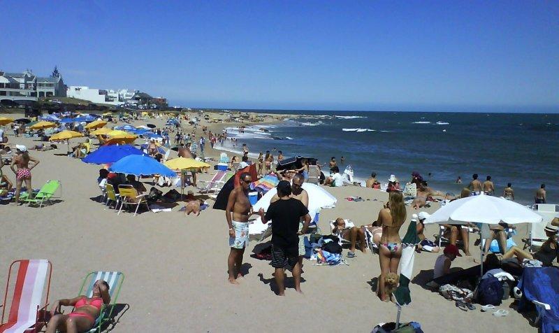 Baja un 14% la llegada de turistas extranjeros a Uruguay.
