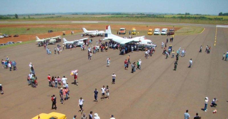 Paraguay habilita tercer aeropuerto internacional en frontera con Argentina