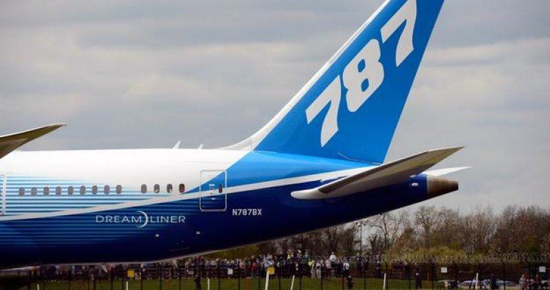 Boeing suspende las entregas de su avión 787.