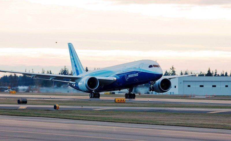 Estados Unidos afirma que los Dreamliners no volarán hasta 'confirmar su seguridad'.