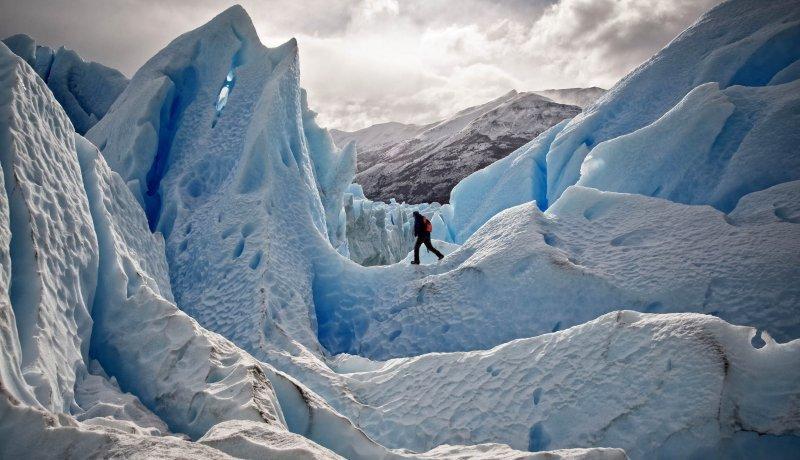 ConectAR ofrece experiencias únicas: caminatas sobre los glaciares.