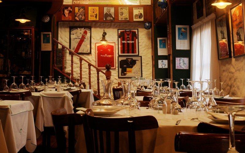 Regularán el cobro de cubiertos en restaurantes de la ciudad de Buenos Aires