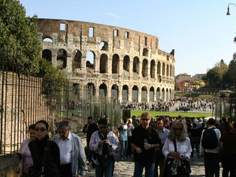Alcalde reclama a la Justicia que resuelva contencioso que está impidiendo obras en el Coliseo