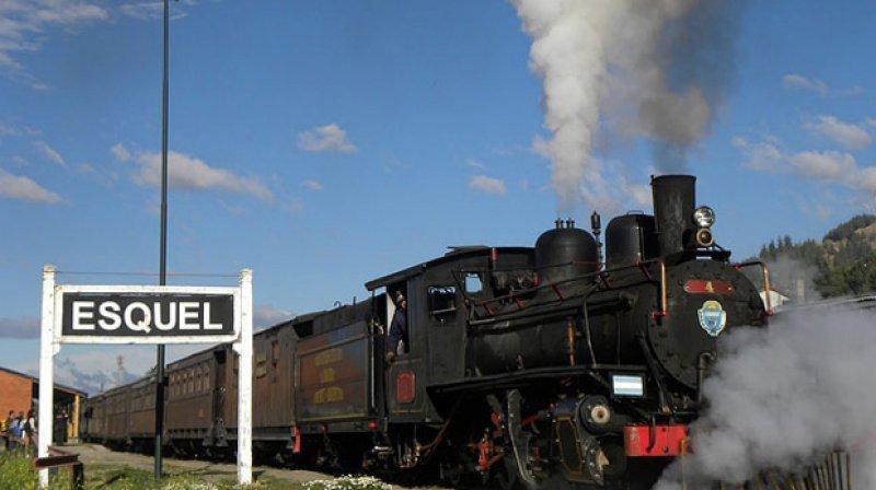 El tren de trocha súper económica, de 75 cm de ancho, atraviesa Chubut.