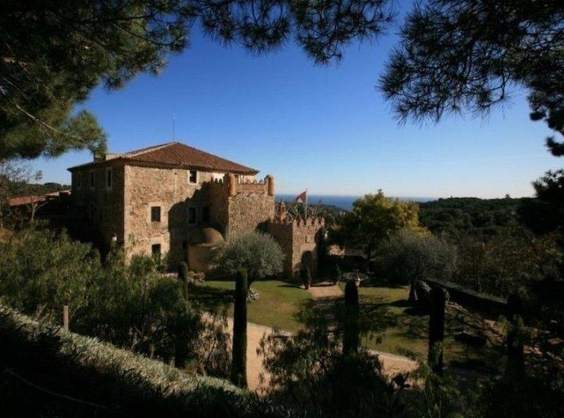Castell d'Oliver.