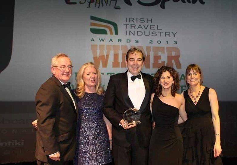 """La OET de Dublín recogió el premio concedido en la gala """"Irish Travel Industry Awards'."""