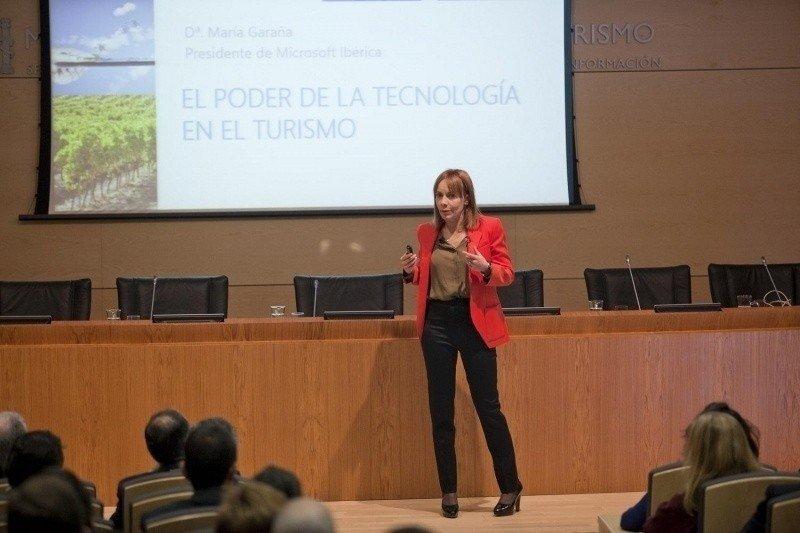 La presidente de Microsoft Ibérica, María Garaña, durante su intervención en Smart Tourism 2013.