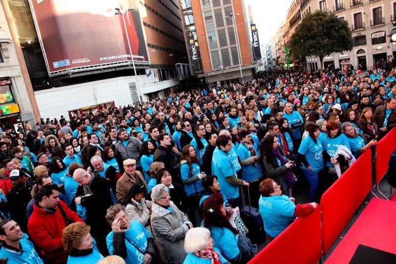 Más de 2.500 personas visitaron durante la tarde del sábado la Plaza de Callao, en Madrid, con motivo del sorteo de viajes internacionales llevado a cabo por Viajes Carrefour.
