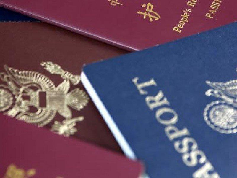 Los impedimentos en la tramitación de visados no son, según Eduardo Santander, 'un problema de seguridad ni de tecnología, sino burocrático porque es un tema muy politizado'.
